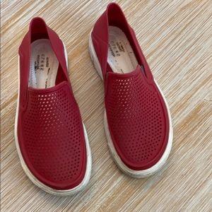Crocs size 1 boys